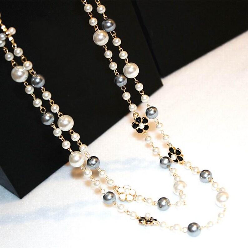 29210e8dacc Chanel collier sautoir camélias perles verre bijoux