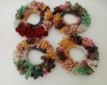 Set of 4 new multicolored chouchoux