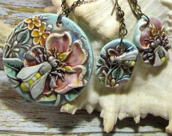 Flowers, bee, ornament pendant earrings ceramic polychrome Bohemian romantic