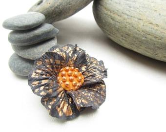 Flower: Midnight Blue Cinquefoil crystalline copper (lot no. 2)