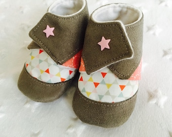 6-12 month baby booties. Suede /coton - grey / coral / pink