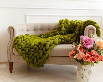 Giant knit chunky blankets, Arm knitted from softest merino wool, Extra large bed covers, Ultra big sofa throws, comforter, Graduation gifts