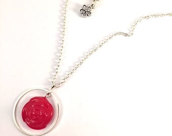 The encircled rose necklace