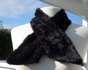 c2568c4c3d2d écharpe foulard  pour femme  fausse fourrure noir  agréable créateur  lin eva  nouvelle collection automne hiver 2018 cadeau st valentin