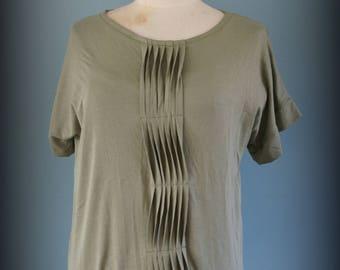 Creases & folds t-shirt