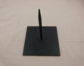 Metal stand for plaster or powertex creation