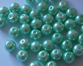 Set of 30 Green 8mm Pearl round beads