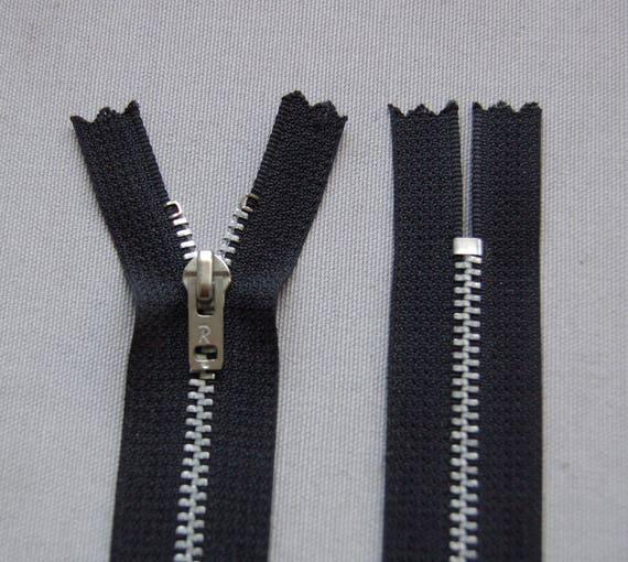 Couleur Noire Zip// Fermeture éclair simple non séparable de 18 cm