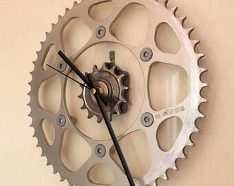 Motorcycle sprocket clock (aluminium/glass) rustic