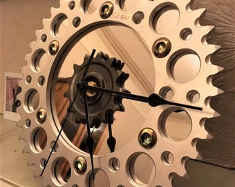 Motorcycle sprocket desk clock (aluminium/mirror)