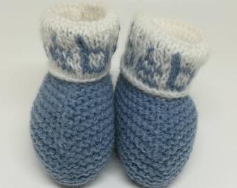 Blue slippers baby wool / / handmade baby booties