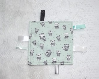 Taggy blanket for baby, handmade.