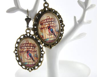Vintage caged bird pattern cabochon earrings