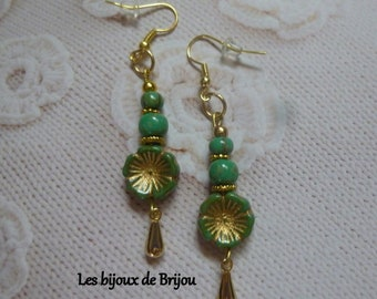Earrings Czech flowers and green Picasso Anissa, and gold metal beads
