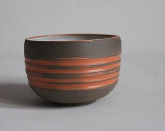 schiefe getöpferte Teeschale 300ml, Tasse, Keramik