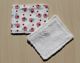 """Washable wipe """"small"""" - 8.5 x 11 cm - Apple and heart pattern"""