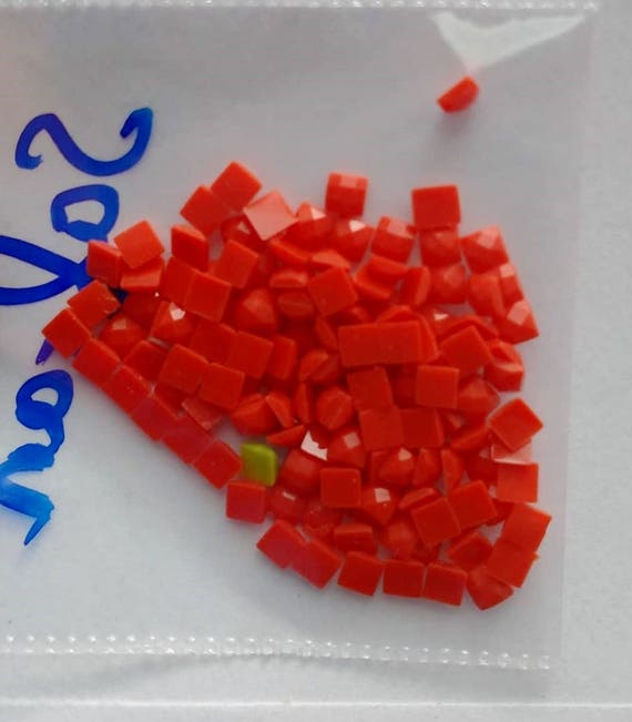 310 Square Mosaic Shaped Acrylic Rhinestones for Crafts Red