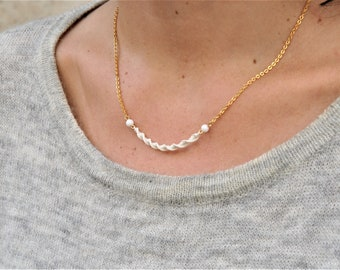 Fine gold chain necklace with fine gold and twisted macramé weave. Handmade for women and girls