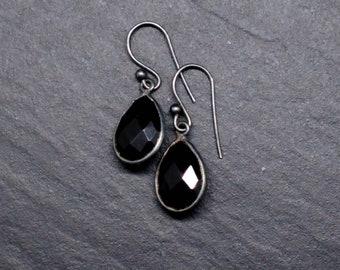 Black Onyx drops on 925 oxidized silver by Helena Design