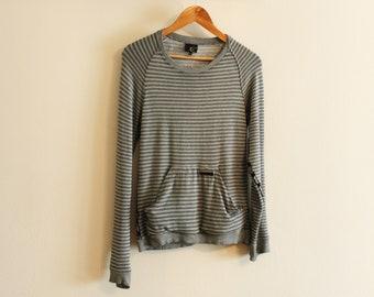8d3a2019867 Rare Vintage Just Cavalli Sweather Pullover Grey White Stripes Design  Streetwear Size Medium Roberto Cavalli Made in Italy Viscosa Vintage