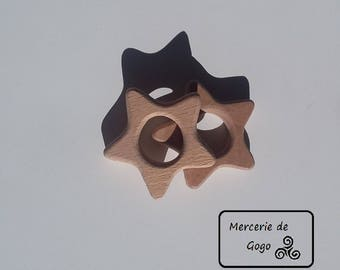 Natural wooden teething ring, star.