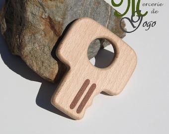 Natural wooden teething ring. 1 key shape.