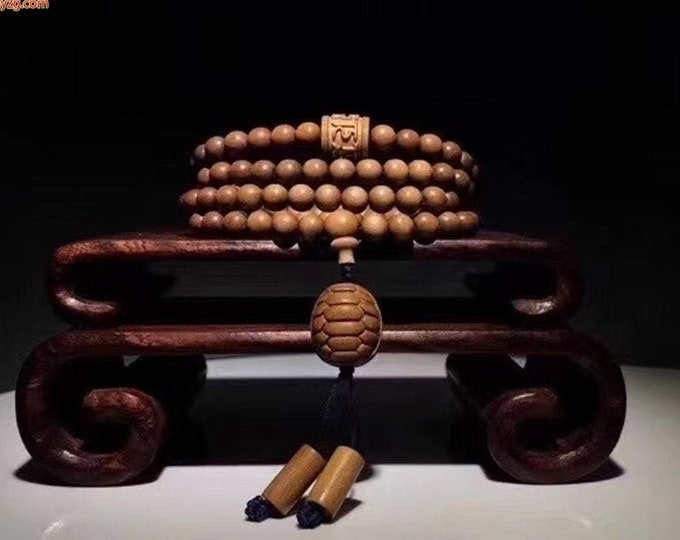 Rare, mala, Buddhist rosary, 108 Laoshan sandalwood beads, collection quality, mantra of compassion Om mani padme Hum. Turtle.