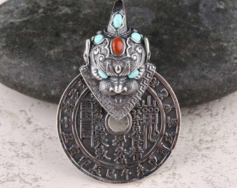 Traditional Taoism pendant of exorcism and good fortune. Silver 925, Agate called nan hong and turquoise.