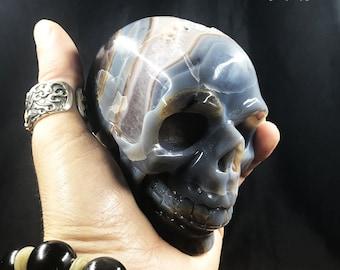 Crystal skull. hand-carved skull. Quartz geode on agate and rock crystal gangue. Unique Piece 9/8.5/6cm 0.780kg