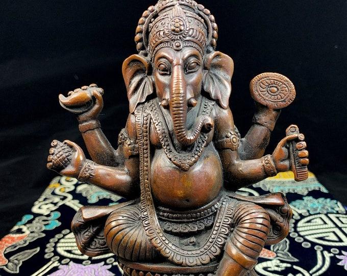 Bronze statuette, representation of Ganesh, Ganesha the elephant god. 18/12cm weight of 0.722kg