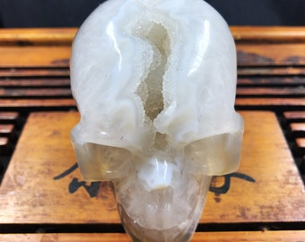 Crystal skull. hand-carved skull. Quartz geode on agate and rock crystal gangue. Unique Piece 9/7/5cm 0.545kg