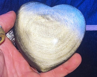 heart in golden obsidian.  Originally from Mexico.  Quality A-Size 87/85/29mm weight of 0.246kg