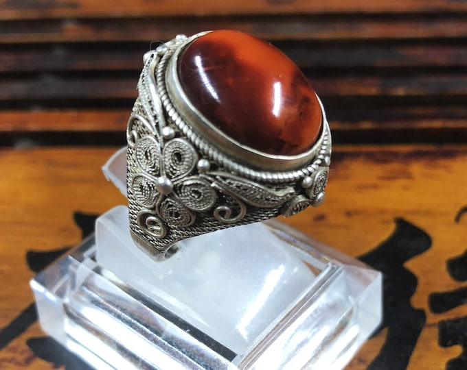 Silver ring 925 watermark. Agate called Nan Hong (southern red) of Yunnan. Traditional Beijing jewelry. One-of-a-kind