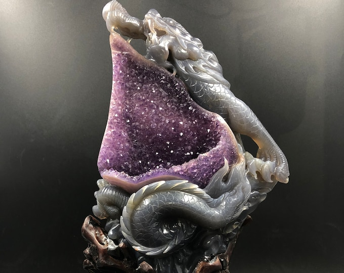 sculpture feng shui, dragon. Agate gangue amethyst geode. Fully hand-carved. Unique piece.