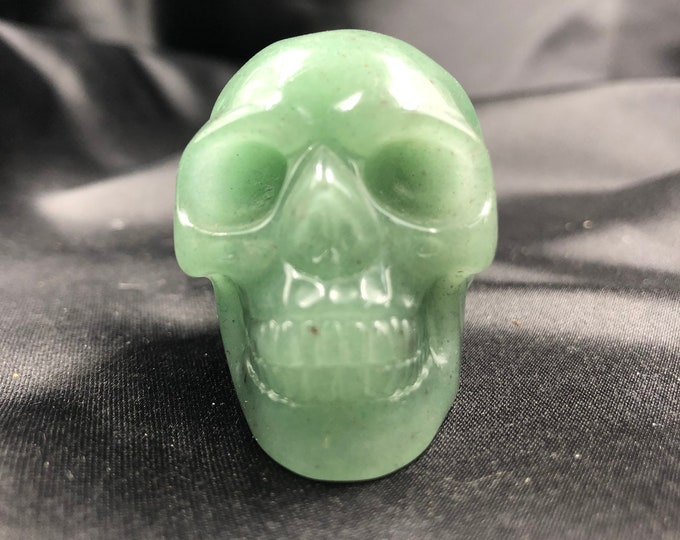 Crystal skull. Skull carved by hand aventurine . 5cm in length.
