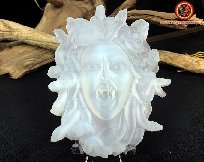 Meduse, gorgon, Greek mythology. Handcrafted in gypsum. Unique piece. natural stone, appraised. Dimensions: 12cm/ 9cm.