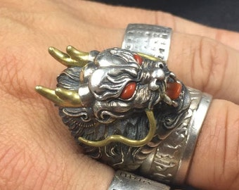 "ring feng shui dragon. 925 sterling silver, copper, agate known as Yunnan ""Nan Hong""."