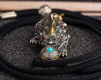 Protective pendant Feng Shui, Pixiu, son of the dragon. Silver 925, copper, turquoise, agate called nan hong.