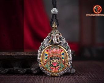 Amulette hindoue. Pendentif de protection indienne. Kali, Ganesh. Argent 925, cuivre, turquoise, agate nan hong. Mantra, tournant au verso.