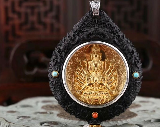 Buddhist protection reliquary Chenrezi.Eberne wood, gold-plated silver,Arizona turquoise, agate called nan hong (southern red) of Yunnan