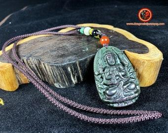 Pendentif, bouddha, Chenrezi. Amulette bouddhiste en obsidienne oeil celeste. obsidienne oeil celeste naturelle du mexique. Cordon, jade.