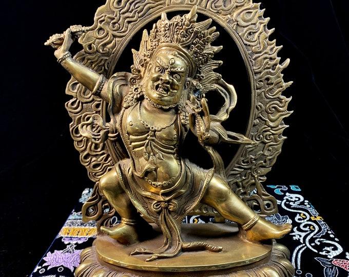 Statue bouddhiste ésotérique, tantrique Dharmapala, protecteur Yi dam. Vajrapani sous sa forme Acharya. Bronze. Bouddha. Bouddhisme tibétain