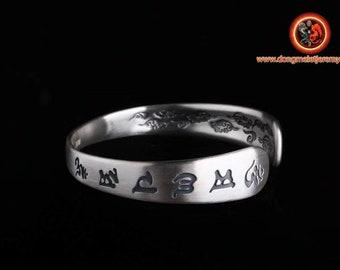 """Bracelet jonc bouddhiste en argent 999,  mantra de la compassion """"Om mani padme hum"""""""