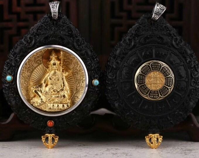Reliquaire de protection bouddhiste Guru rinpoche.Bois d'ébéne,argent plaquéor,turquoised'Arizona,agate dite nan hong(rouge du sud)du Yunnan