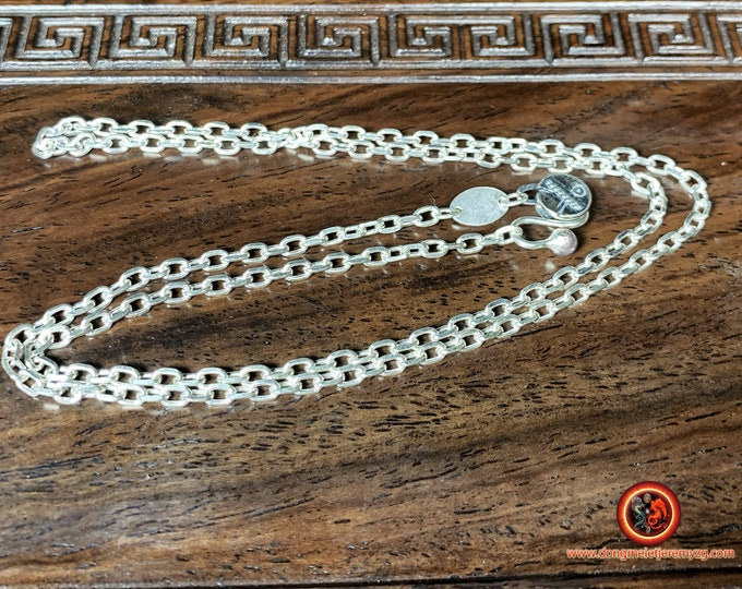 Silver chain 925. Convicted mesh. Hook clasp. Length 54cm, weight of 9 grams.