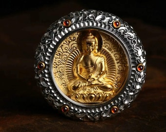 Protection amulet Buddhist Tibetan, Amitabha, 925 sterling silver, Garnet, silver plated 18K, the compassion mantra engraved on the back.