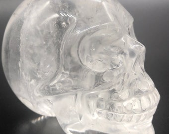 Exceptional crystal skull. rock crystal. Skull carved by hand crystal rock.