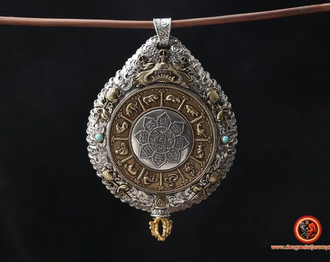 Tibetan amulet,Reliquary, Buddhist protection opening, bagua trigrams rotating. Silver 925, copper, turquoise.