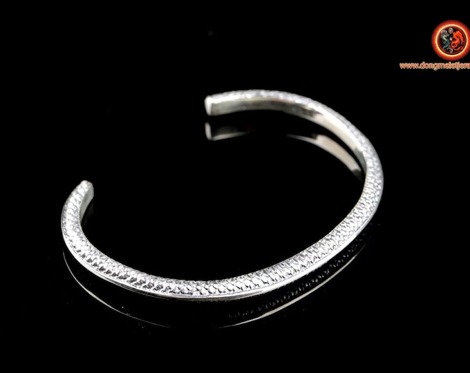 Bracelet rush in silver 925. punched. Width of 4.5mm, silver weight of 14 grams. length of 20cm, adjustable size because open