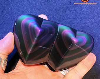 Exceptional double heart carved in obsidian celeste eye. 0.390kg 111/63/38mm high quality obsidian from Mexico